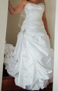 Wedding Dress - Size 11-14
