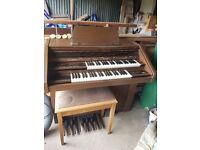 Electronic organ Siel HB 350 with stool