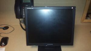 "17 "" Samsung Syncmaster - 730B / TFT-LCD"