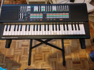 Yamaha keyboard in excellent condition!