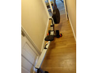 Air resistance rowing machine £40