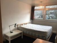BRICKLANE/ALDGATE EAST, E1, ROOMY 4 BED APARTMENT AVAILABLE MID SEPTEMBER