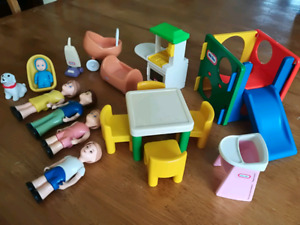 VINTAGE Fisher Price Family and Accessories