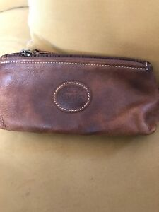 Roots Leather Makeup Catchall Pouch (Tribe)