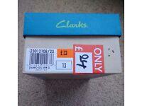 Clarks boys sandals size 13G (excellent condition)
