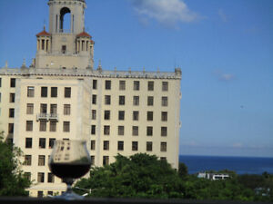 Oceanfront Entire Apt in Vedado, Havana