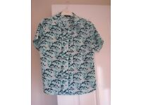 LADIES PRETTY BLOUSE IN SIZE 8