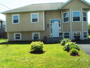 ***BETTER THAN NEW 4 BED BEAUTY IN OCEANFRONT COMMUNITY***