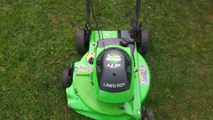 TONDEUSE LAWN BOY 6.5HP AUTOMOTRICE!!!