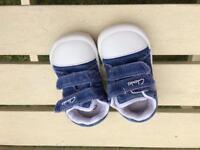 Blue boys clarks doddles size 4f