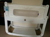 Snuz Pod in white as new