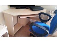Blue computer chair good cond