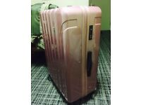 A large 31*46*70cm suitcase which is only used once. Almost new and functioning well