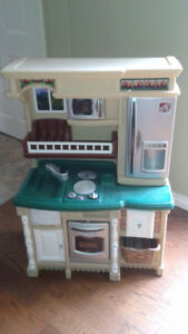 Kids play kitchen set