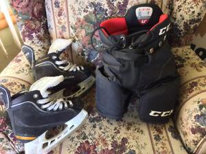 À vendre 1 paire patin et culotte de hockey Prix $25.00