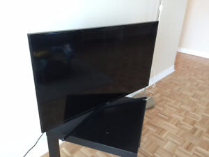 "Samsung 40"" Smart TV almost brand new quick sale"