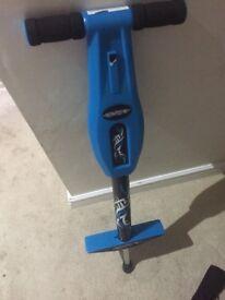 Elektra Pogo stick with flashing lights blue