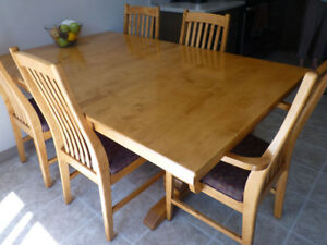 Solid Alder dining table + chairs