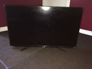 """Excellent condition 40"""" Sharp Roku tv with Remote"""