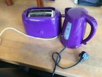 Purple kettle and toaster