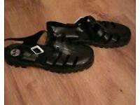Black JuJu sandals