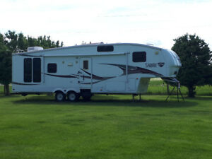 Sabre 30 foot 2 slide out 5th wheel