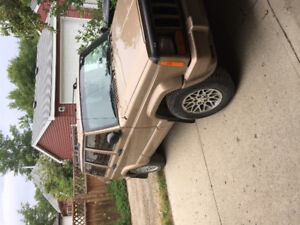 1999 Jeep Cherokee Limited SUV, Crossover