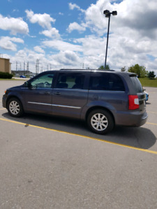 2015 Chrysler Town & Country under 80k