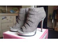 Sacha London grey shoes heels platforms with studs size 6 / 39 excellent condition worn once
