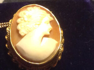 Antique Victorian Carved Shell Cameo Pendant Brooch