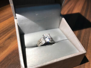 925 solid sterling silver 37 stone diamond ring