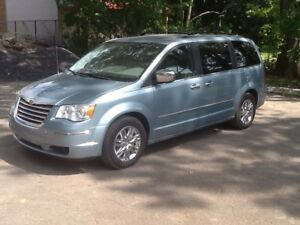 Chrysler Town and Country  édition limitée