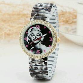 New Ladies Rhinestone Marilyn Monroe Printed Elastic Watch - Golden
