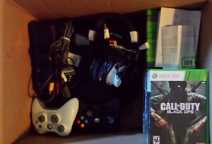 XBox 360 & 29 Games (mint condition)