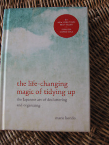 THE LIFE CHANGING MAGIC OF TIDYING UP – Marie Kondo