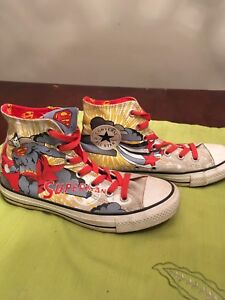 Superman converse all star chuck taylors men's 6 women's 8 EUC!