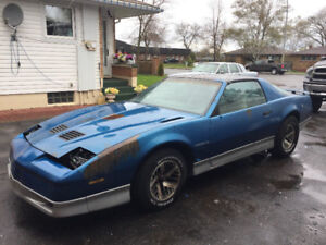 LOOKIONG FOR 82 TO 92  Pontiac Firebird PARTS CAR!!!