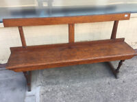 Oak Church Pew ( 5 ft ) free Local delivery feel free to view size L 60 in D 13 in H 31 in