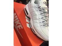 Nike air max 95 all white blk tick 9 only