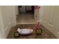 Minnie Mouse Bow-tique Scooter