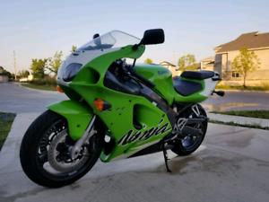 1999 Kawasaki Ninja zx7r