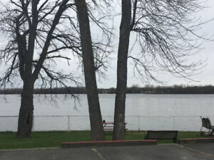 First Month FREE - 3 1/2 Waterfront Apartment West Island