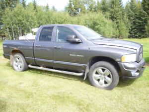Parting out 2004 Dodge Ram 4x4 Truck