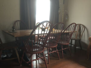 Lonely yet beautiful  country style dining set