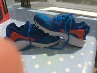 Nike air huaraches trainers size 5 uk