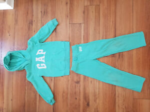 Gap 5T Outfit