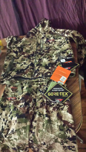 Sitka large pants and large jacket for sale brand new