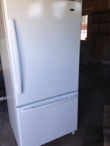 Amana White Refrigerator with bottom drawer freezer