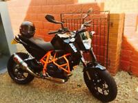 KTM Duke 690 - 1500 miles - Immaculate - Unique look - FSH