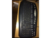 Wireless keyboard and mouse good condition £20